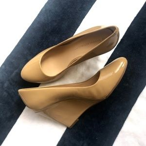 Banana Republic Nude Patent Leather Wedges Size 9